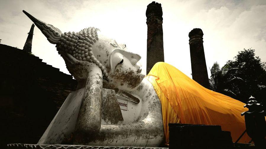ท่องเที่ยวไทยไม่ไปไม่รู้ วัดใหญ่ชัยมงคล พระนอนวัดใหญ่ พระนครศรีอยุธยา EyeEm Gallery Capture_today Captured Moment Thailand Happy Time Temple Architecture Unseen_Thailand Travel Photography Temple Thailand_allshots