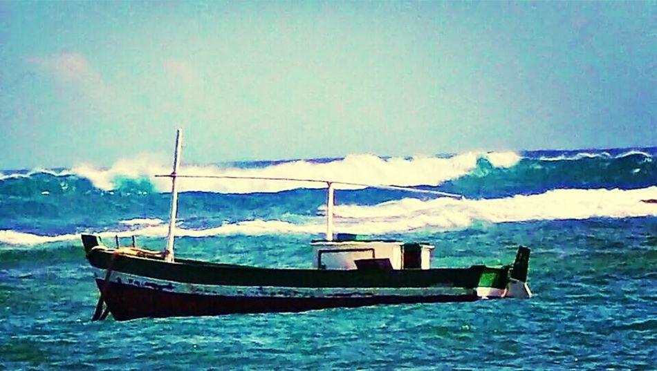 Saveiro em alto mar