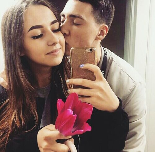 Люблю👅☝💞💕💝🔝🔥 Photography Themes Love Romance Flower Selfie Myboy💕 Looking At Camera Still Life Happiness Lifestyles Russia Kiss First Eyeem Photo