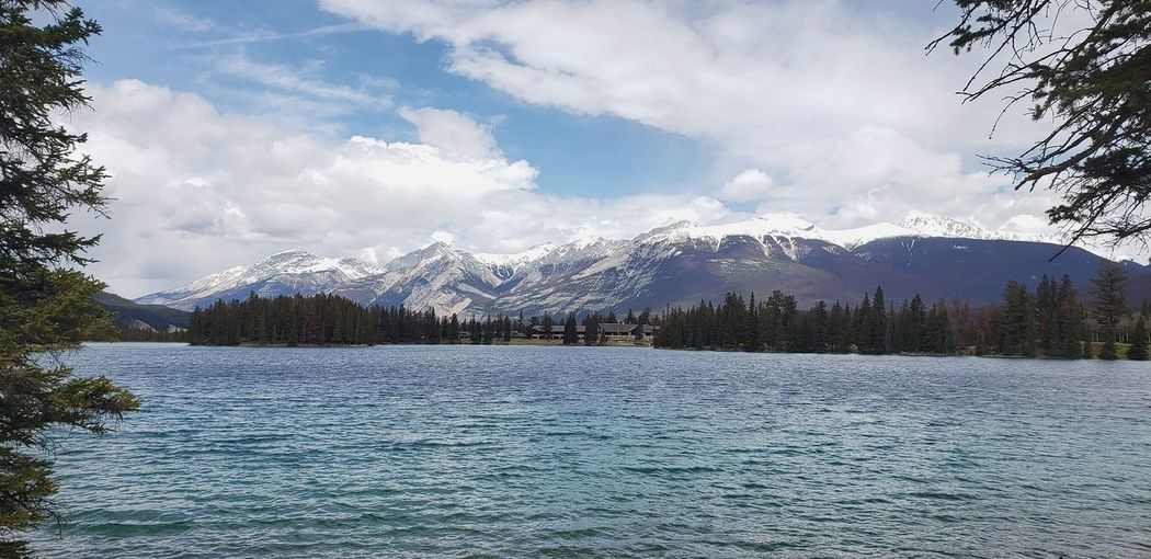 mountain Mountain View Jasper National Park Canada Pyramid Lake Lake View Pyramid Mountain Tree Water Mountain Snow Cold Temperature Winter Lake Snowcapped Mountain Polar Climate Sky Ice Crystal Frozen Water Frozen Frozen Lake Frost Iceberg Weather Condition Snowing Cold Snowdrift Glacier Glade Global Warming Snowfall