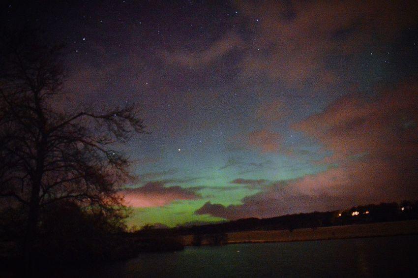 Aurora Borealis Northern Lights Scotland Aberdeenshire Mintlaw Colourful Nature Night Photography Pitfour Lake Learn & Shoot: Balancing Elements