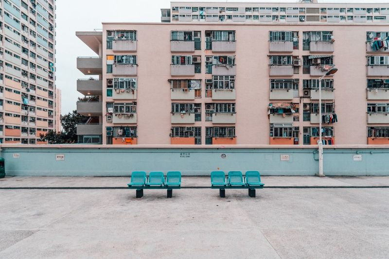 Warm up Throwback Travelgram The Week on EyeEm Travel Destinations Architecture_collection HongKong EyeEm Selects Architecture Building Exterior Built Structure City Seat Building Residential District No People Bench City Life My Best Photo