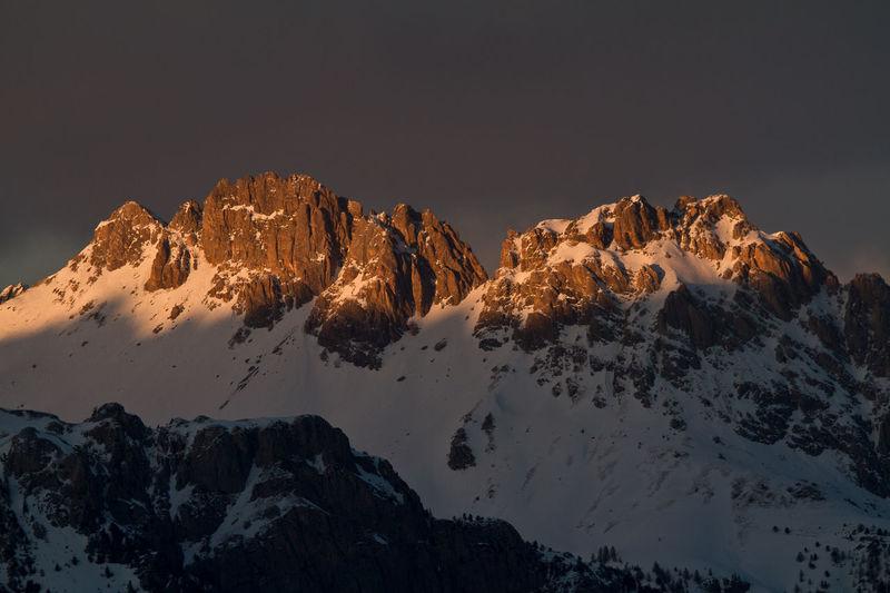 Couleurs Hautes Alpes France Montagne Forêt Neige❄ Ciel Noir Cold Temperature Coucher De Soleil Landscape Queyras Roche