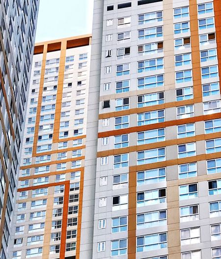 Built Structure Building Exterior Architecture Window City Building No People Day Apartment Full Frame In A Row Residential District Backgrounds Low Angle View Outdoors Industry Construction Industry Tall - High Pattern Order