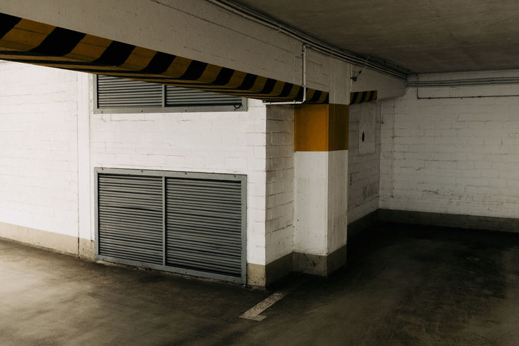 UNDERGROUND Architecture Indoors  Absence Transportation Parking Lot No People Empty Ceiling Built Structure Parking Garage Wall - Building Feature Garage Building Flooring Domestic Room Day Entrance Door Window Closed Wall