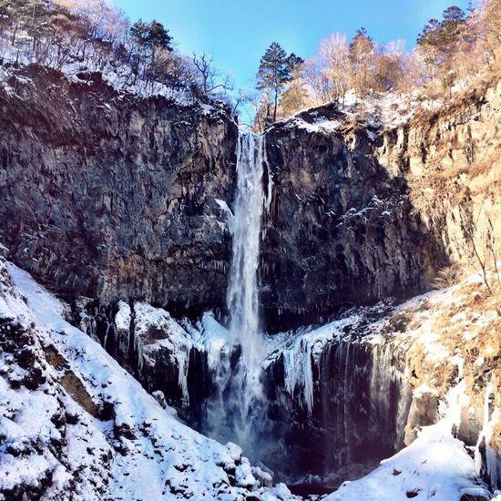 華厳の滝〜 Waterfall