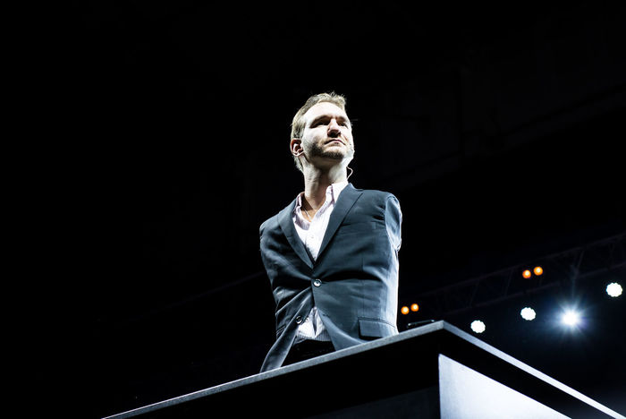 Stage - Performance Space Young Adult People Tetraameliya Stadium Scene Speaker Performance Sermon Celebration Night Vujicic Illuminated Celebration Event One Man Only Preacher Men Nic Vujicic Lecture Adult Inner Power