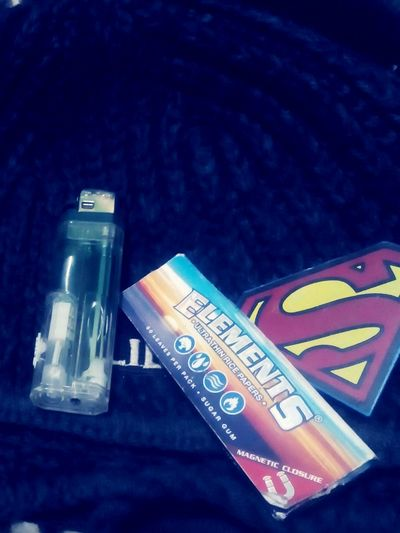 Relaxing Smokin Dope Elements_rolling_papers Being Dope Livin life to the fullest Kingin
