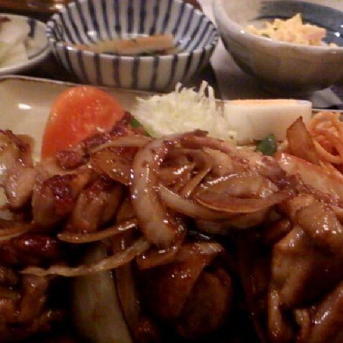 やっぱり、鶏のしょうが焼きー!(*^^*)いただきまーす!