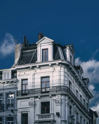 Rue de la bourse Architecture Built Structure Sky Building Exterior Nature Low Angle View Building No People Day City Sunlight Residential District Outdoors Window Cloud - Sky Travel Destinations