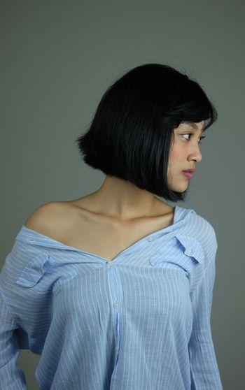 Beby Portrait Studio Shot Gray Background Young Women Females Headshot Beautiful Woman Profile View Black Hair Mid Adult Lipstick