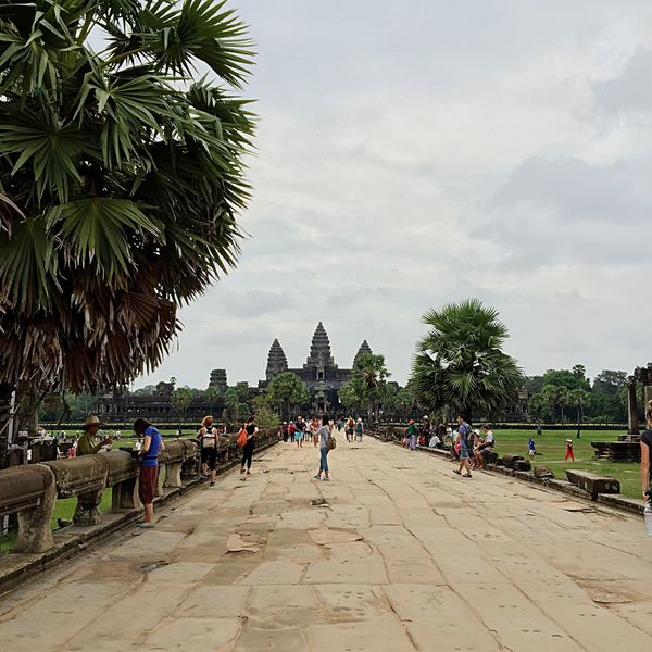 Oh the serenity. 😌 People Watching Walking Around Landscape Landscape_Collection Siemreap Cambodia Holiday Vacation Time Hello World Angkor Wat