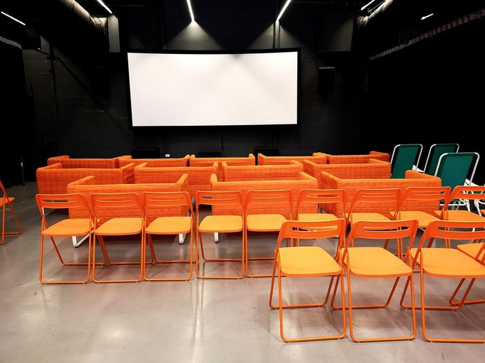Solitude Sunday Auditorium Film Industry Seat Folding Chair Chair Preparation  Arts Culture And Entertainment Empty Projection Screen Theater Movie Theater MOVIE Stage Theater Yellow Line Absence