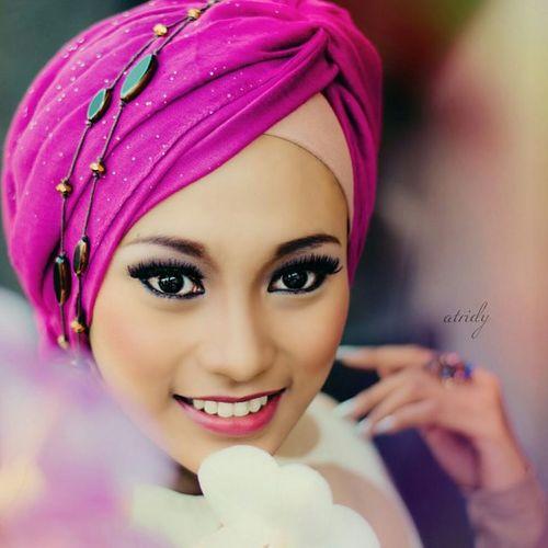Purple feat brown Hijab.. Taken @agung_ady Event @bandunglautanphotographer Locate @Bandung Kamera @nikond5100 Postpro @facetune @fotor_apps @lidow Beautyhijab Fotograferamatiran Portrait Nikontop Model Nikond5100photography Bandunglautanphotographer 2014 Potoaingkumahaaing Hope u enjoy