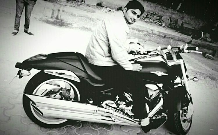 EyeEm Best Shots Eyem Best Shots - Black + White Bikelover💜 Photos Around You Photography Enjoying Life My Bike Suzuki Intruder  That's Me