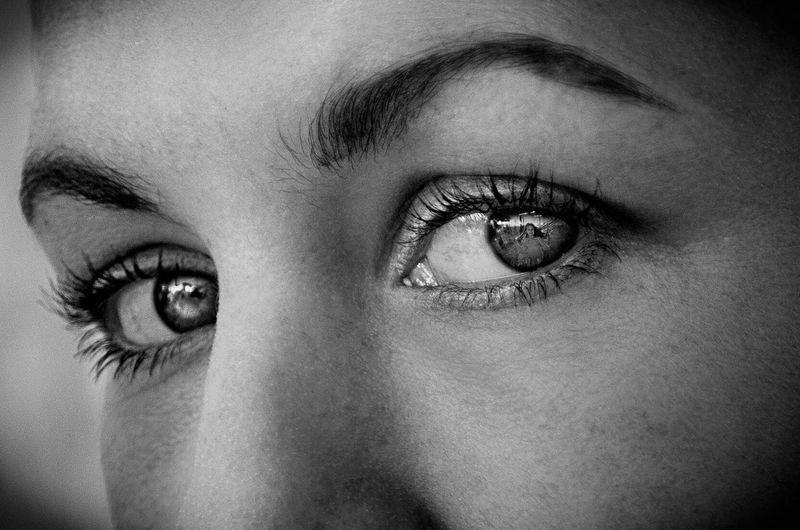 Portrait Portrait Of A Woman Portraits Portrait Photography PortraitPhotography Portraiture Portraiture; B/W Photography Blackandwhite Black And White Photography Eyes Are Soul Reflection Eyes First Eyeem Photo