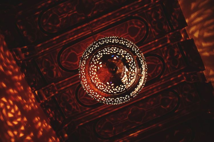 The Traveler - 2018 EyeEm Awards EyeEm Selects Artistic Expression Architecture Travel Vally Made In Morocco Illuminated Electricity  Red Pattern Lighting Equipment Close-up Filament Pendant Light Light Bulb Darkroom Candlelight Energy Efficient Lightbulb Chandelier Concentric Bulb Electric Light