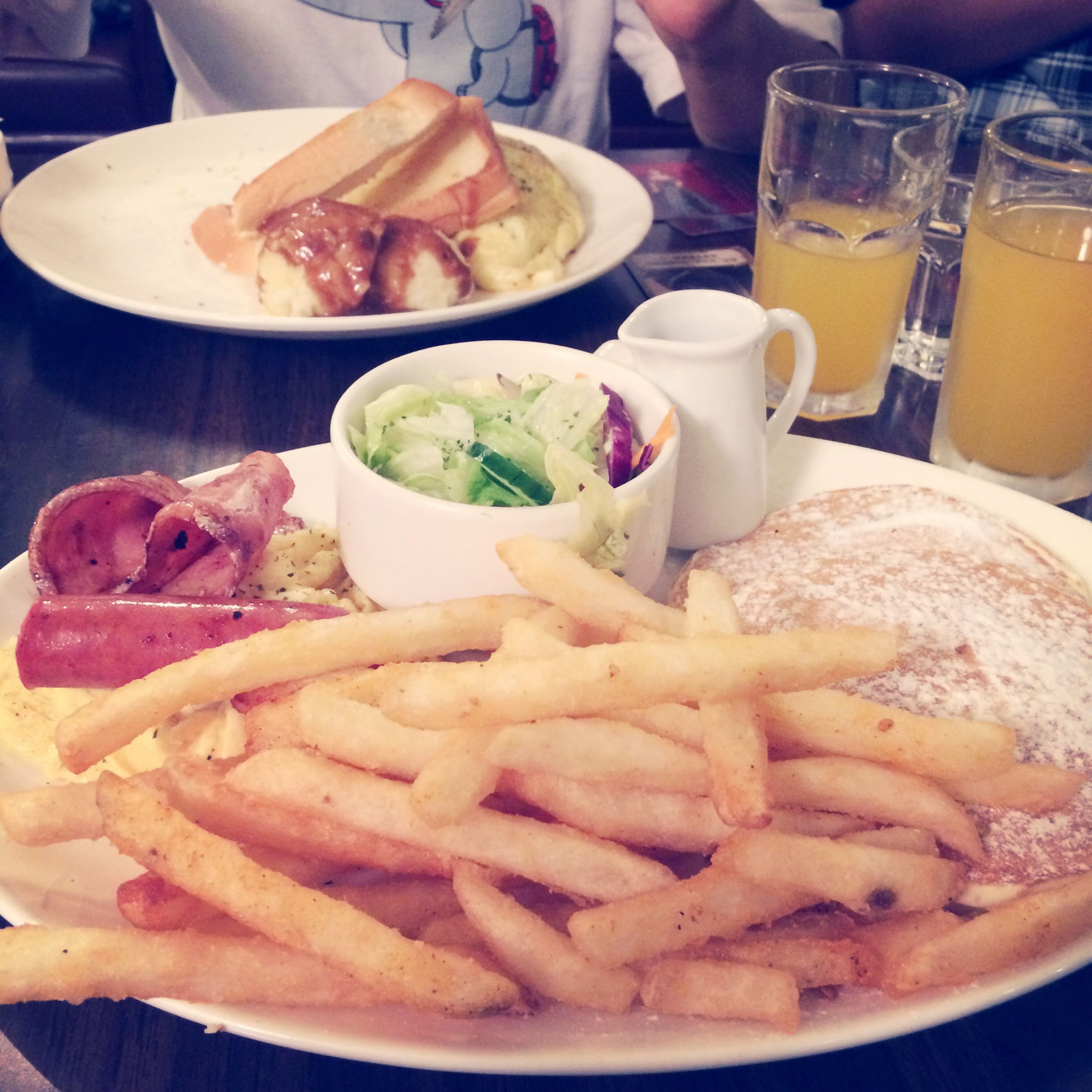 food and drink, food, freshness, ready-to-eat, indoors, plate, unhealthy eating, table, indulgence, serving size, french fries, bread, still life, close-up, breakfast, meal, fast food, snack, drink, slice