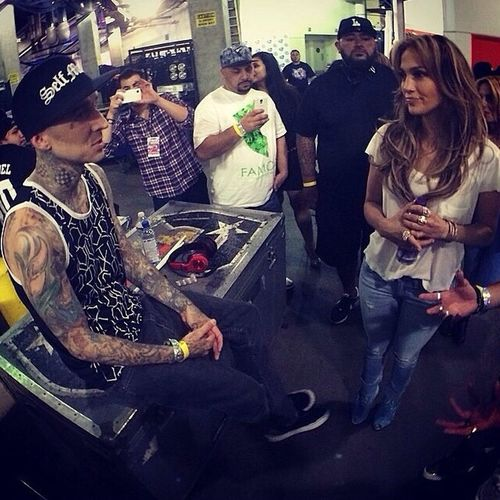 @TravisBarker & @JLo hanging out backstage at Powerhouse. Iprolens Celebrity Teamiprolens Music