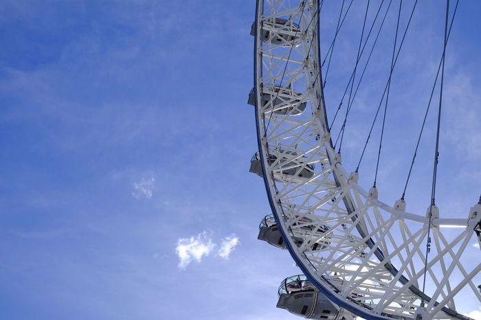 Going round and round 🎡 London Eye LondonEye London LONDON❤ Sunny Big Wheel Blue Sky London Lifestyle