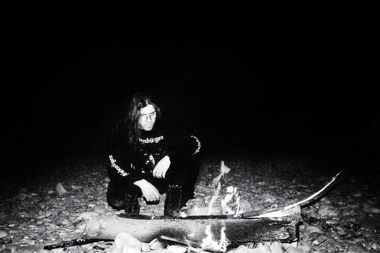 me 20 years ago... Monochrome Blackandwhite Black And White EyeEm Best Shots EyeEm Gallery EyeEm Best Shots - Black + White Taking Photos Light And Shadow Fireplace Tranquil Scene Keep The Fire Burning Metalhead Metalheads Siebenbürgen ThatsMe Black Background Men