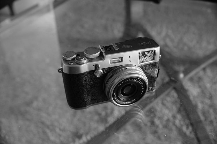 Camera - Photographic Equipment Close-up Day Indoors  No People Old-fashioned Photographic Equipment Photography Themes Technology
