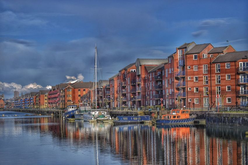 Another lovely evening walking the dog at Preston Docks. Taking Photos Relaxing Tranquility Always Taking Photos Photography Is My Escape From Reality! Malephotographerofthemonth Boats⛵️ Preston Docks Reflection