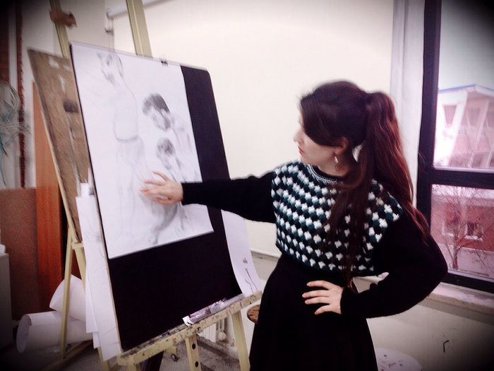 At Work Art Studio Atelier Teaching Checking Out Students Drawing Thats Me! Hi! BlackDress University Campus ArtAcademy Lecturer