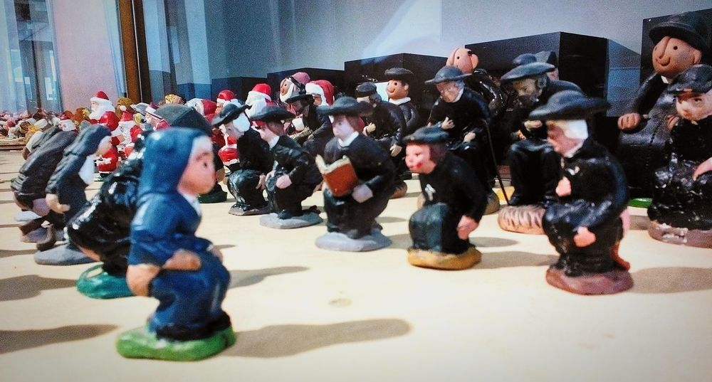exposición de caganers en Vic Osona Barcelona Catalunya SPAIN monjas y capellanes Enjoying Life Traditions Tradiciones Showcase: January From My Point Of View