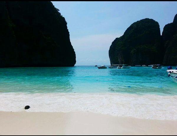 Maya beach phi phi Thailand