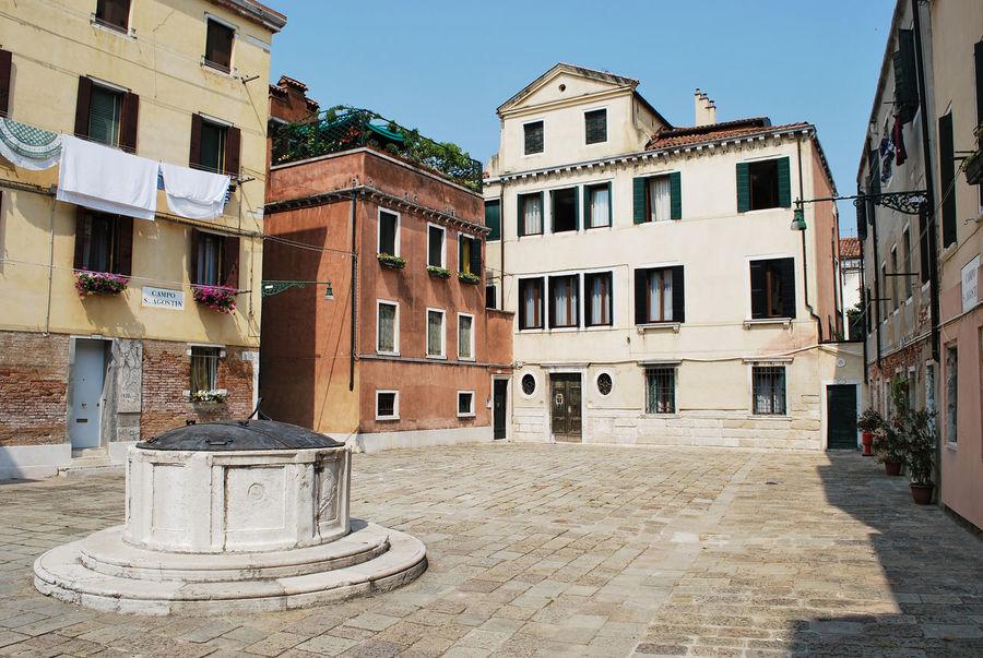 Campo Sant'Agostin, in the middle of Venice. Looks like a country village, but it's Venice. Architecture Campo Sant'agostin City City Italia Italy Outdoors S Square Veneto Venezia Venice Hidden Gems