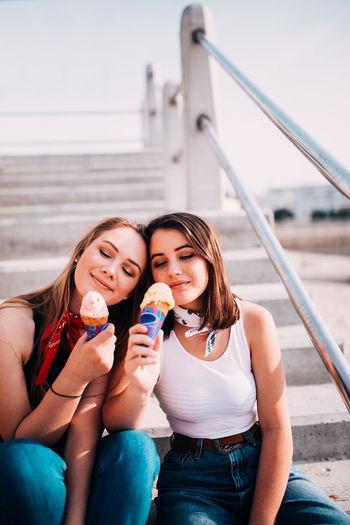 Friends Girls Ice Cream