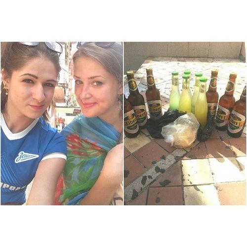 Даша с @julia_garnaga сходили в магазин)) Всех с Днем ВМФ!!! севастополь2014 отдыхаем Longer  пиво корабелка крым деньвмф