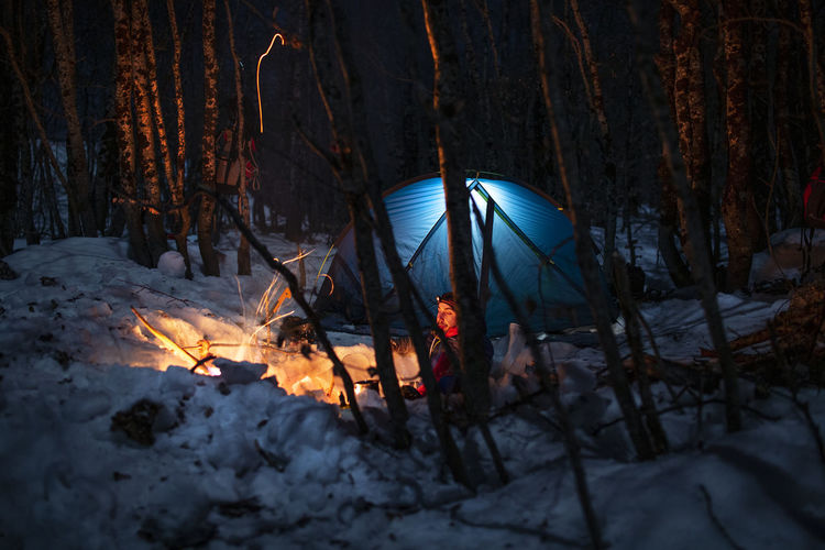 Cold Winter ❄⛄ Cold Winter Bushcraft Outdoors Hiking Hikingadventures Mountain Mountain Peak Camping Campinglife Beauty In Nature EyeEm Best Shots Nature Nature_collection Nature Photography Hiking Adventures Snow Snowing Fire Night Forest Photography Winter Forest Camping Life EyEm Selects Campfire