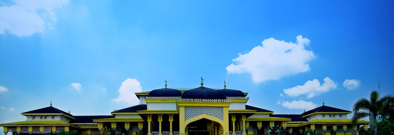 Istana Maimun Architecture Built Structure Building Exterior Building Sky Cloud - Sky No People Nature Religion Belief Blue Spirituality Place Of Worship Day Low Angle View House Outdoors Travel Destinations Copy Space Dome Istana Maimun Medan Melayu EyeEmNewHere A New Perspective On Life