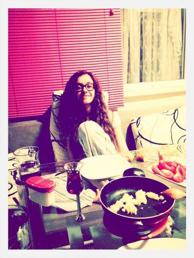 Zeyim bana yemek mi hazirlamiss ne♥♥