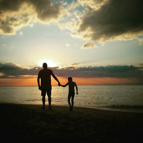 Father & Son Sunset Love Beingtogether Family Sea Peaceful Fatherhood Moments Let's Go. Together. Sommergefühle