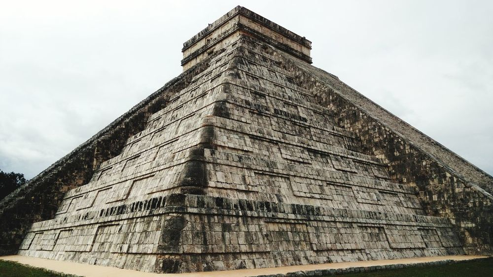 Kukulkán Mayan Ruins Chichenitza Mayas Pyramid History Triangle Shape Travel Destinations Architecture Ancient Civilization Ancient The Past Travel Low Angle View Built Structure Tourism Old Ruin Sky Building Exterior Day Outdoors No People