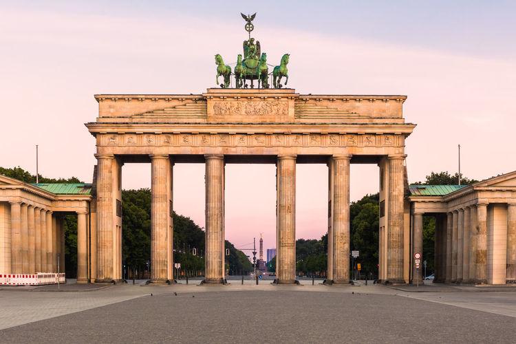 Facade of brandenburg gate against sky