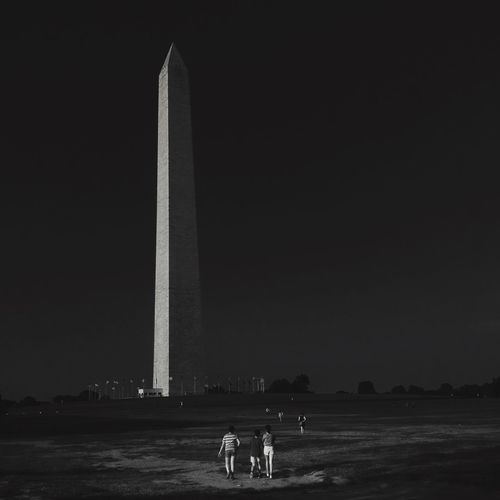 Washington Monument Street Protography The Street Photographer - 2015 EyeEm Awards Black And White Photography Blackandwhite Photography Street Photography Streetphoto_bw Black & White Blackandwhitephotography EyeEm Best Shots EyeEm Best Edits