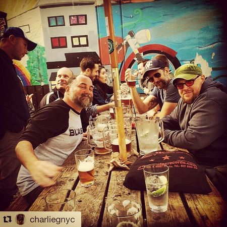 I met these guys in the late 80's while I was playing drums for YoT. We have been laughing ever since ・・・ SF hangs. Sloth Crew = pitcher of beer. Mike Judge = pitcher of water. All is good. Love this town. Zeitgeist No photos Slothcrew Judgewolfpack Browntown