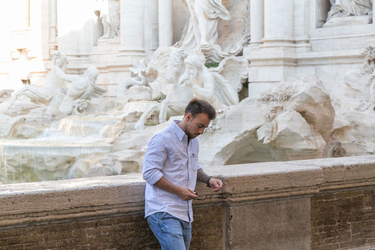 Architecture One Person History Three Quarter Length The Past Sculpture Built Structure Adult Men Side View Architectural Column Art And Craft Statue Craft Day Travel Destinations Casual Clothing Ancient Carving - Craft Product Italy Italia The Street Photographer - 2019 EyeEm Awards