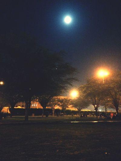 نحنا والقمر جيران ✨