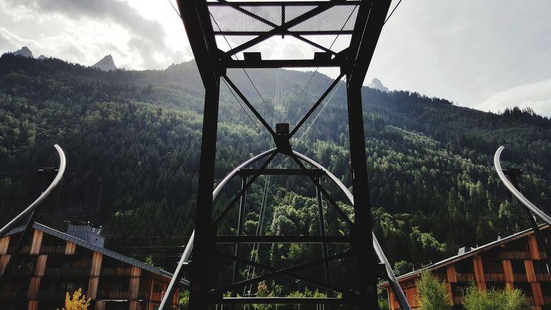 teleferique aiguille de midi Telefèric Mountain Forest Verdant Symmetry Perspective Metal Outdoors Sky No People Cloud - Sky Tree