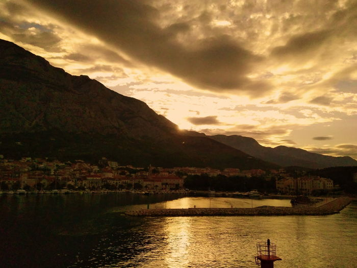 Mountain Reflection Landscape Cloud - Sky Water Scenics Outdoors No People Mountain Range Nature Beauty In Nature Day Dawn Of A New Day Dawn Sky Makarska Rivera Bay Ships EyeEmNewHere