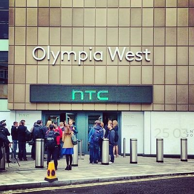 Alright, here I'm for the #HTC event in London. theunwired #HTCOneUP #HTCinLON HTC Htcinlon Htconeup