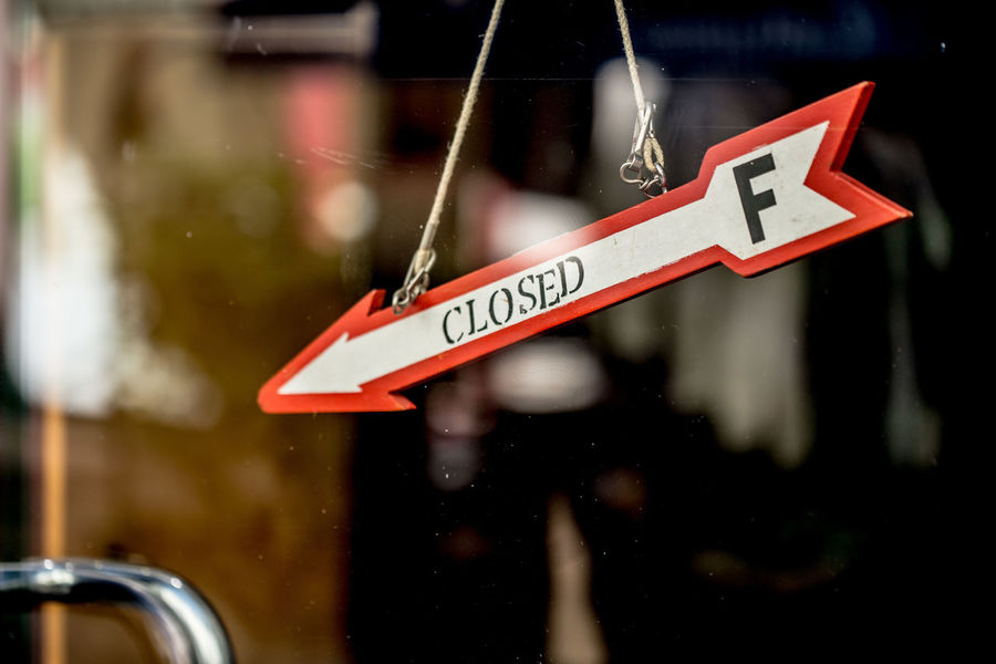 closed shop sign Arrow Arrow Symbol Close Up Close-up Closed Closed Door Closed Sign Door Einkaufen Eye4photography  EyeEm Gallery Geschlossen Reflection Shop Shop Door Shopping Shopping Time Sign Street Photography Streetphotography Urbanphotography