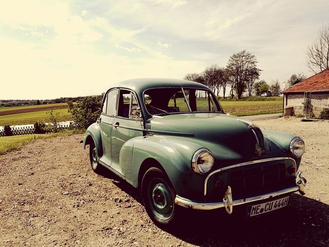 Transportation Cloud - Sky Rural Scene Day Sky No People Outdoors Summer Morris Minor 1000 Countryside Summertime Sun Huawei P9 Leica Live For The Story Let's Go. Together. Sommergefühle