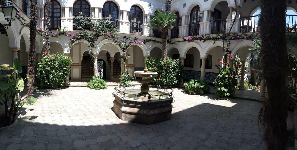 Patio andaluz, Roc de Sant Gaietà. Patio Andaluz Catalunya España🇪🇸 Tarragona Roc De Sant Gaietà