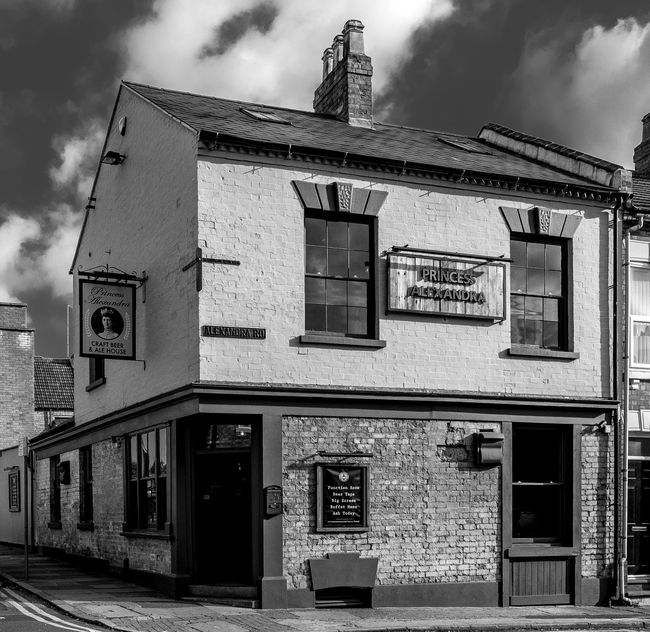 The Princess Alexandra, Alexandra Road, Northampton Architecture Northampton FUJIFILMXT2 Monochrome Black And White FUJIFILM X-T2 Monochrome Photography Architecture Pubs Northampton Pubs